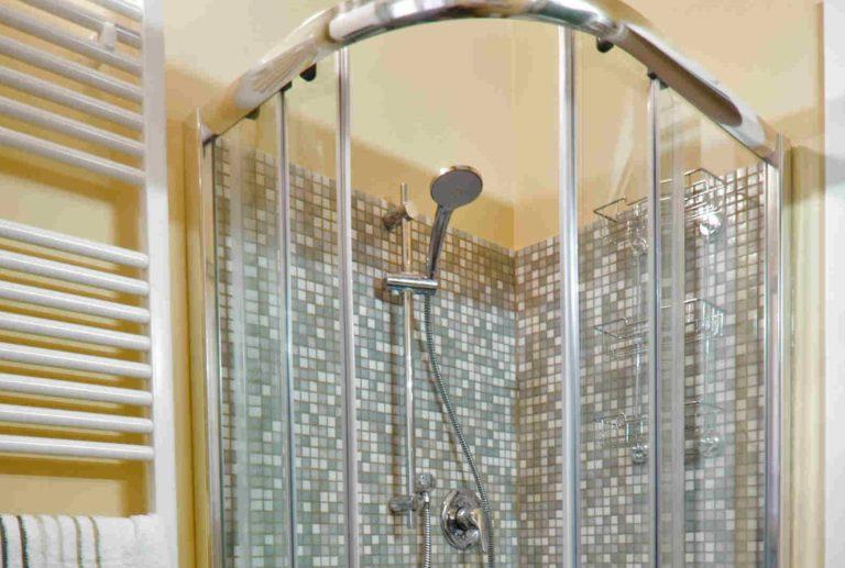 casa-vacanze-perugia-bagno-doccia